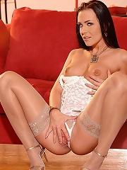 Hot brunette beauty Veronica Carso